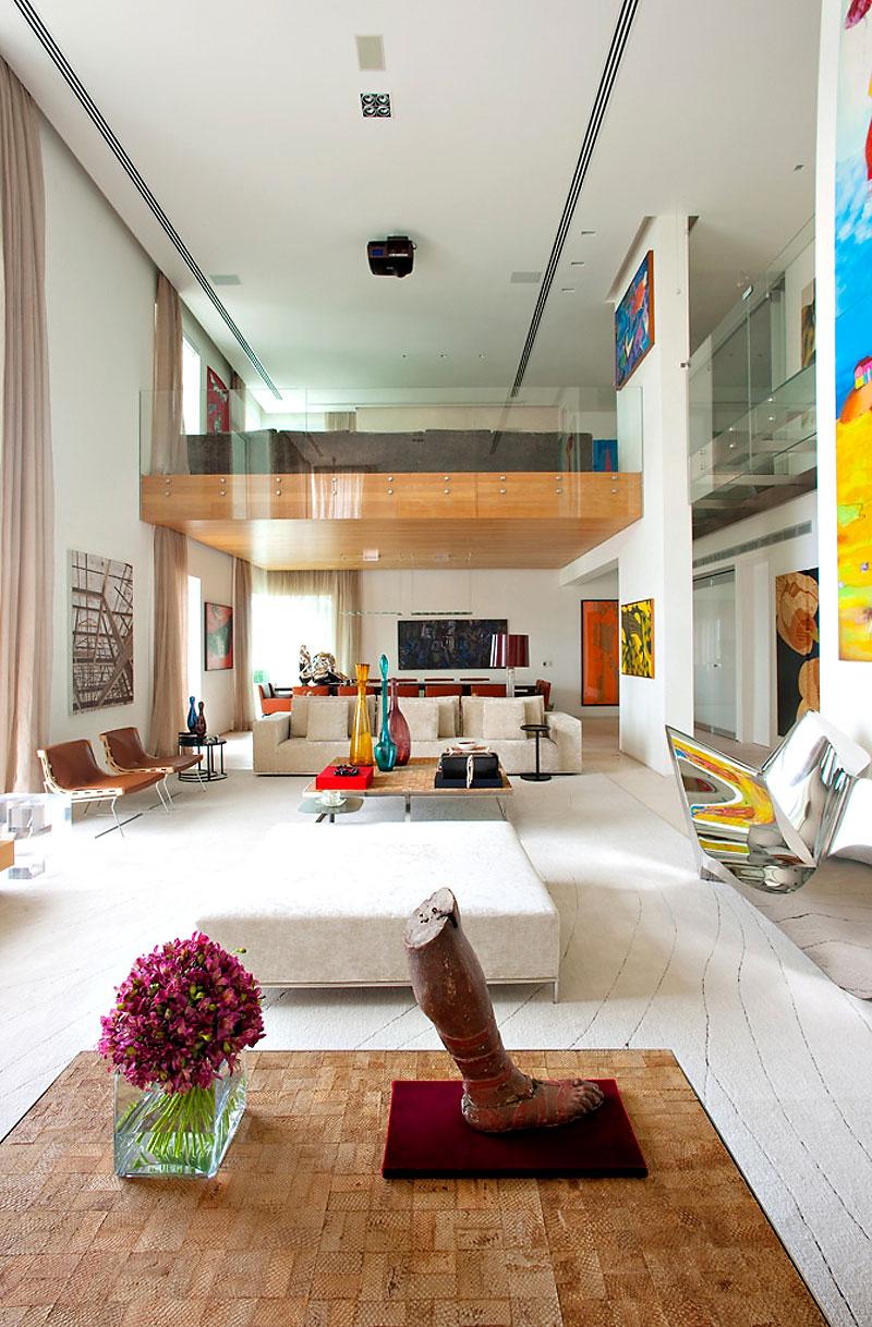 sala-pe-direito-alto-cobertura-em-sao-paulo-pela-arquiteta-fernanda-marques