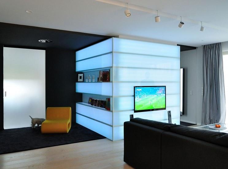 painel-para-tv-em-vidro-com-iluminacao