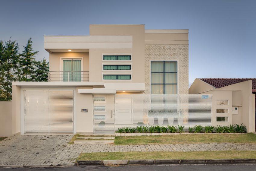 fachada-pele-de-vidro-incolor-projeto-residencial-por-machado-weiss-arquitetura