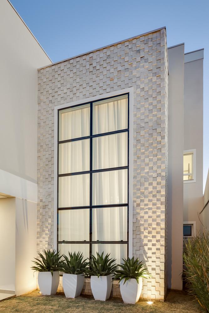 fachada-pele-de-vidro-incolor-sistema-structural-glazing