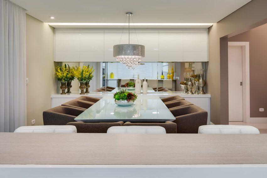 mesa-vidro-serigrafado-branco-projeto-residencial-por-machado-weiss-arquitetura