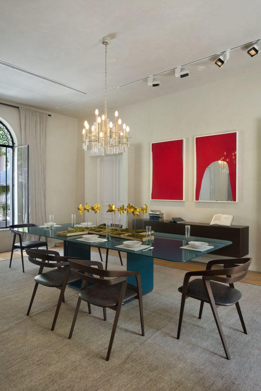 mesa-de-vidro-curvo-pintado-azul