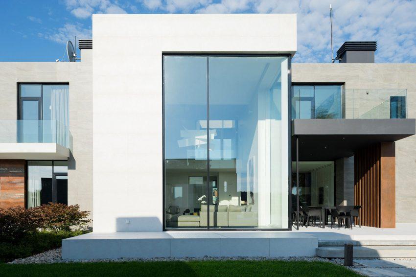 projeto-de-fachada-de-vidro-pe-direito-duplo