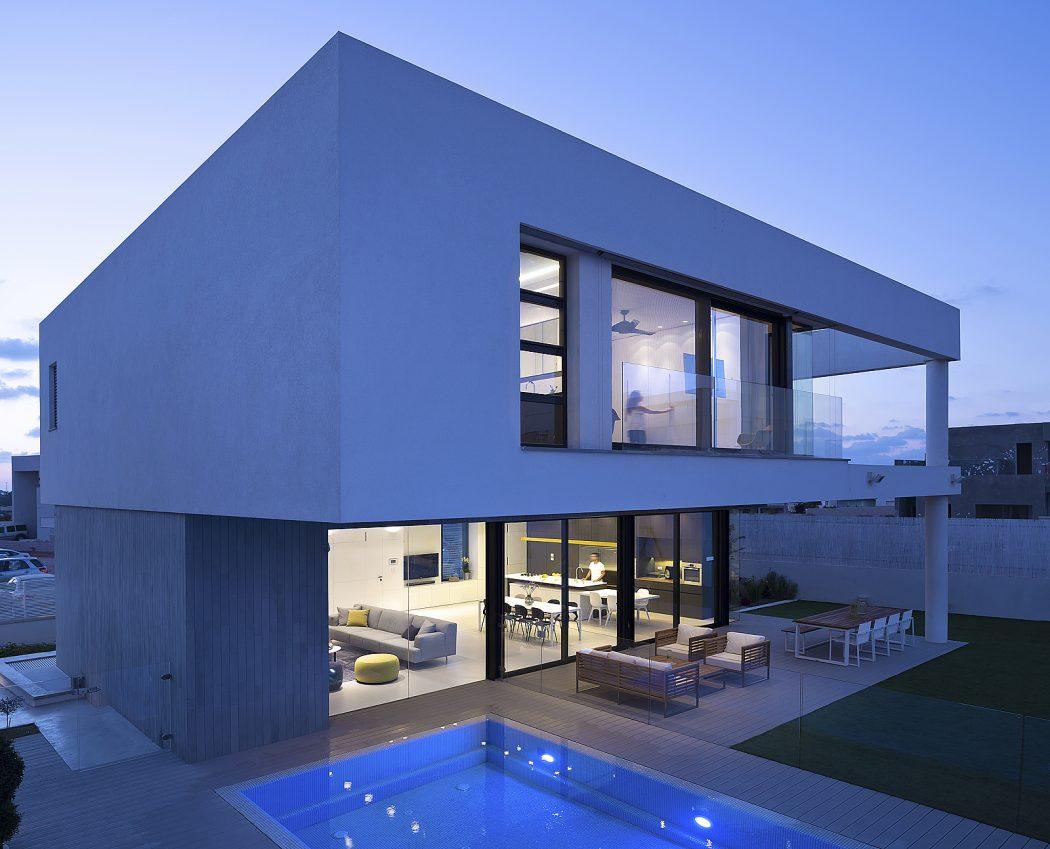 guarda-corpo-de-vidro-embutido-residencia-em-ness-ziona-israel
