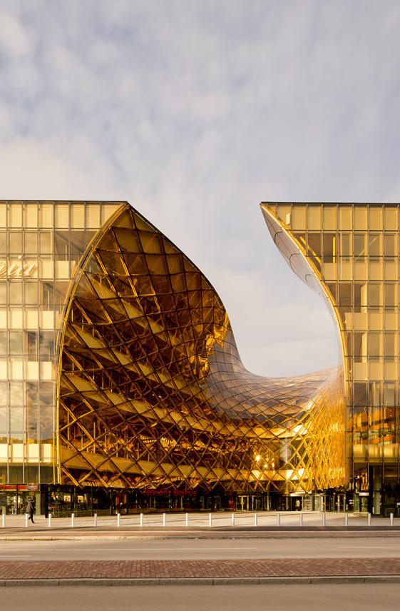 fachada-pele-de-vidro-curvo-structural-glazing-em-vidro-laminado-refletivo-champanhe