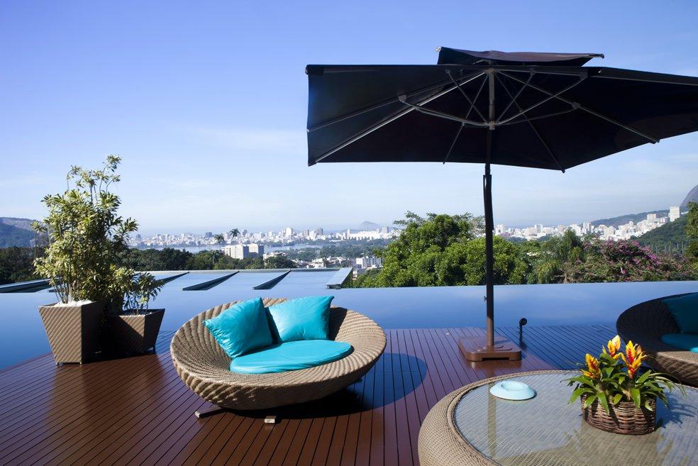 deck-piscina-borda-infinita-vista-cristo-e-praias-zona-sul-rio-de-janeiro