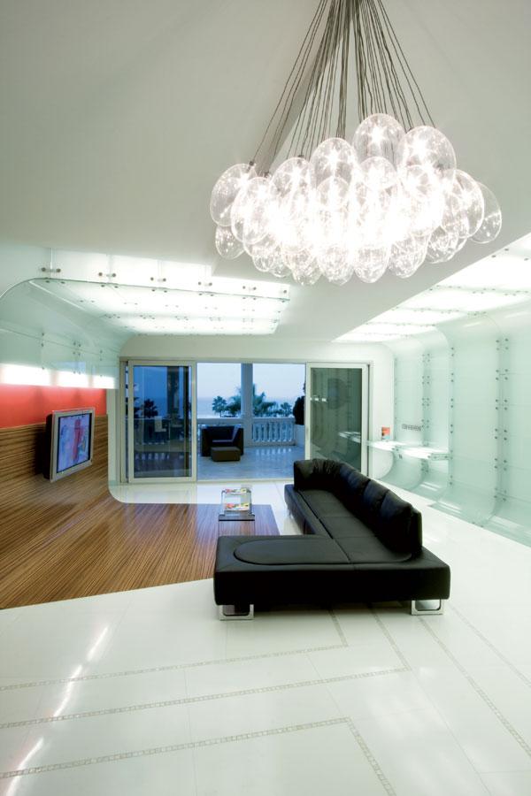 parede-com-revestimento-de-vidro-branco-por-mo..ow-design