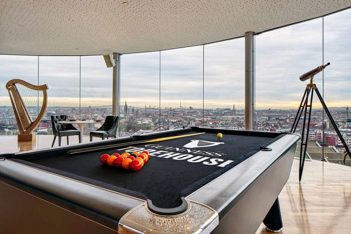 projeto-de-loft-fechamento-de-vidro-piso-ao-teto-com-vista-360-graus