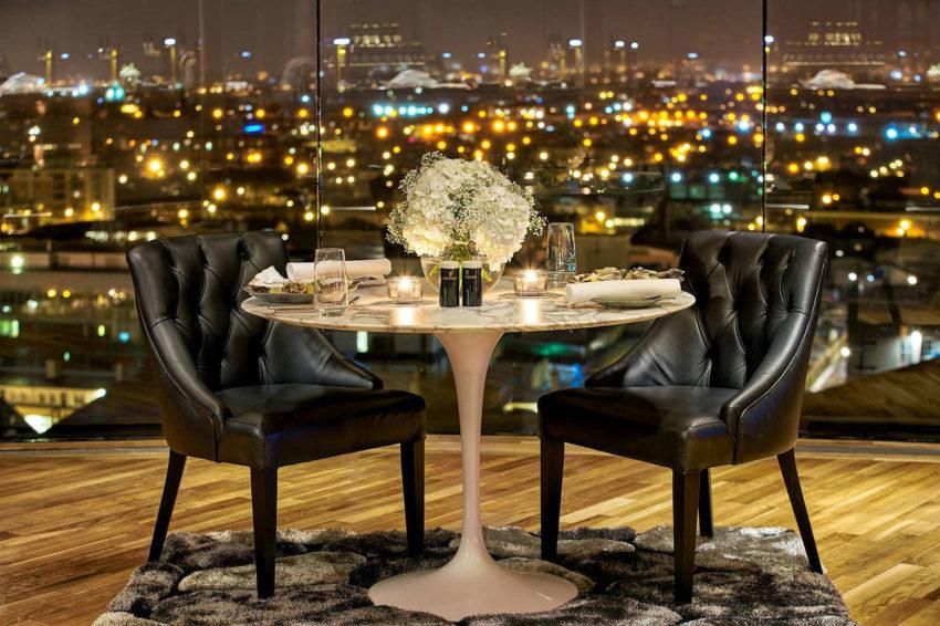 projeto-sala-de-jantar-de-loft-envidracado-com-vista-360-graus