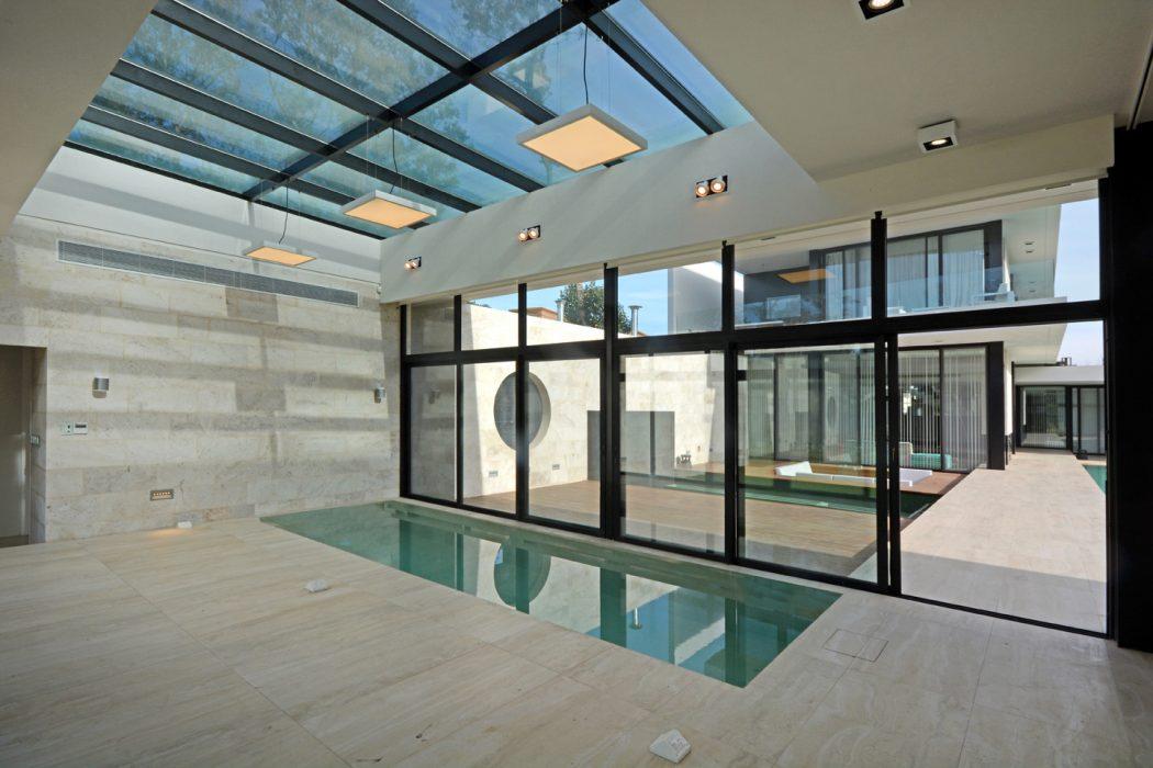 cobertura-de-vidro-casa-em-ituzaingo-buenos-aires-por-vanguarda-arquitetos