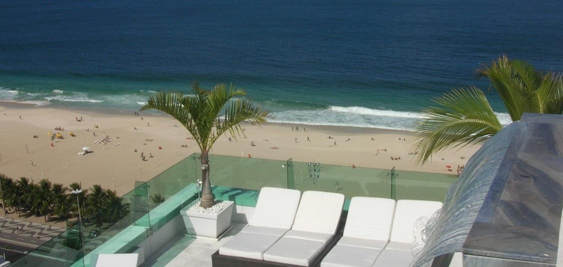 guarda-corpo-vidro-com-spider-terraco-cobertura-duplex-em-copacabana