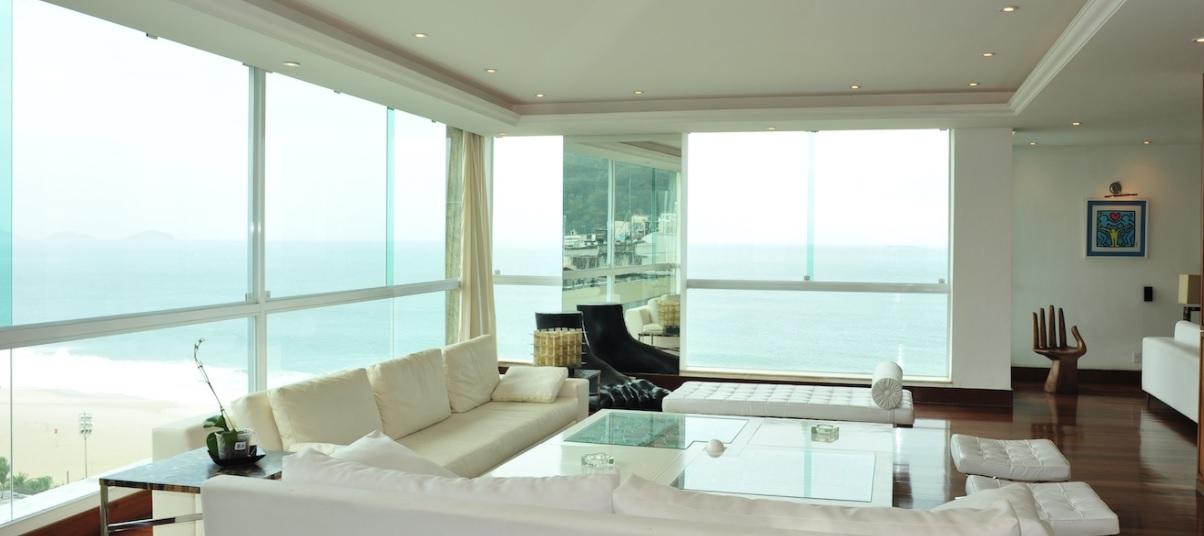 sala-de-estar-cobertura-duplex-em-copacabana-vista-praia-corcovado-pao-de-acucar
