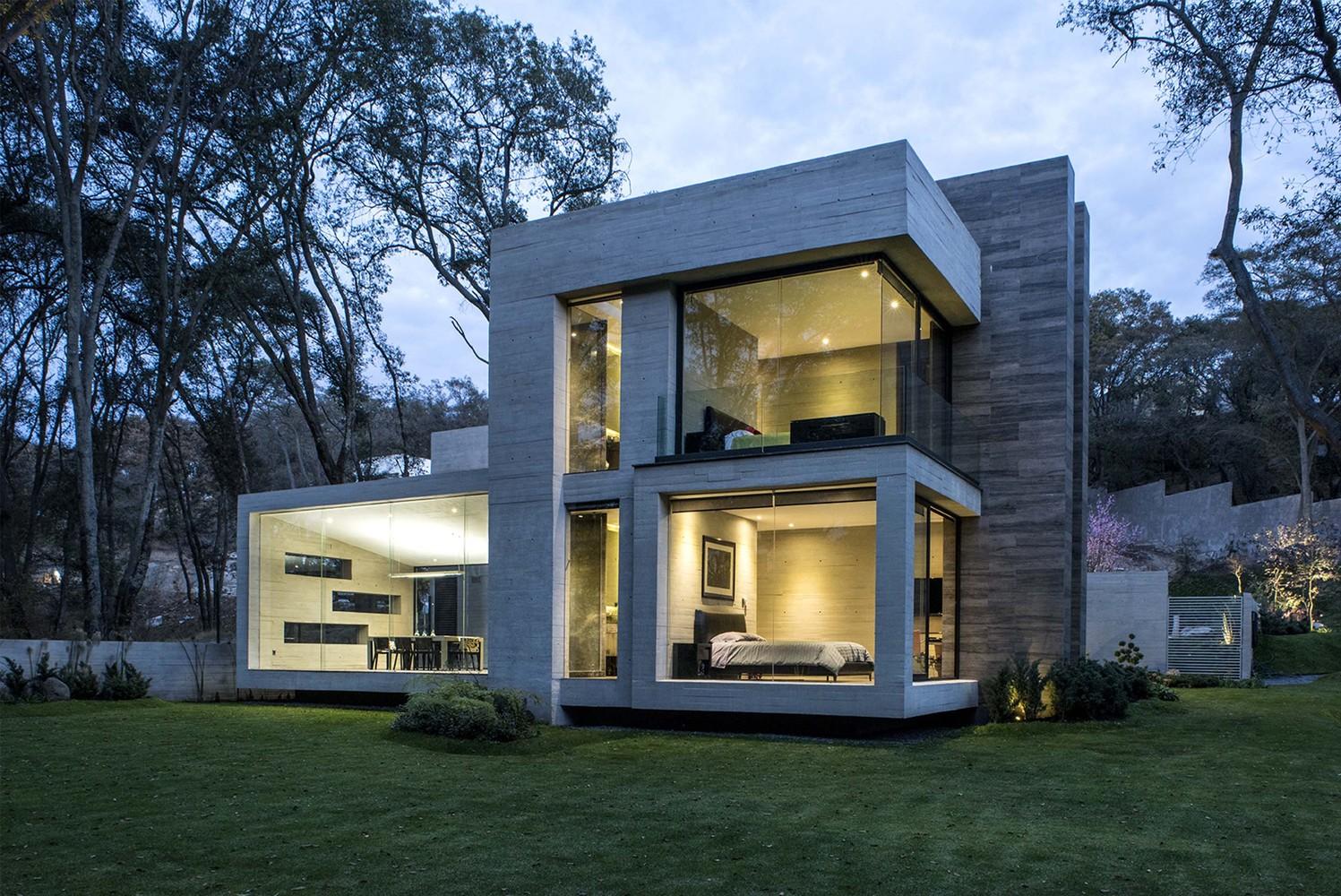 fachada-em-vidro-e-concreto-por-grupo-mm